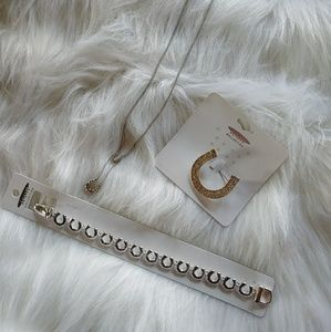 Horseshoe jewelry set